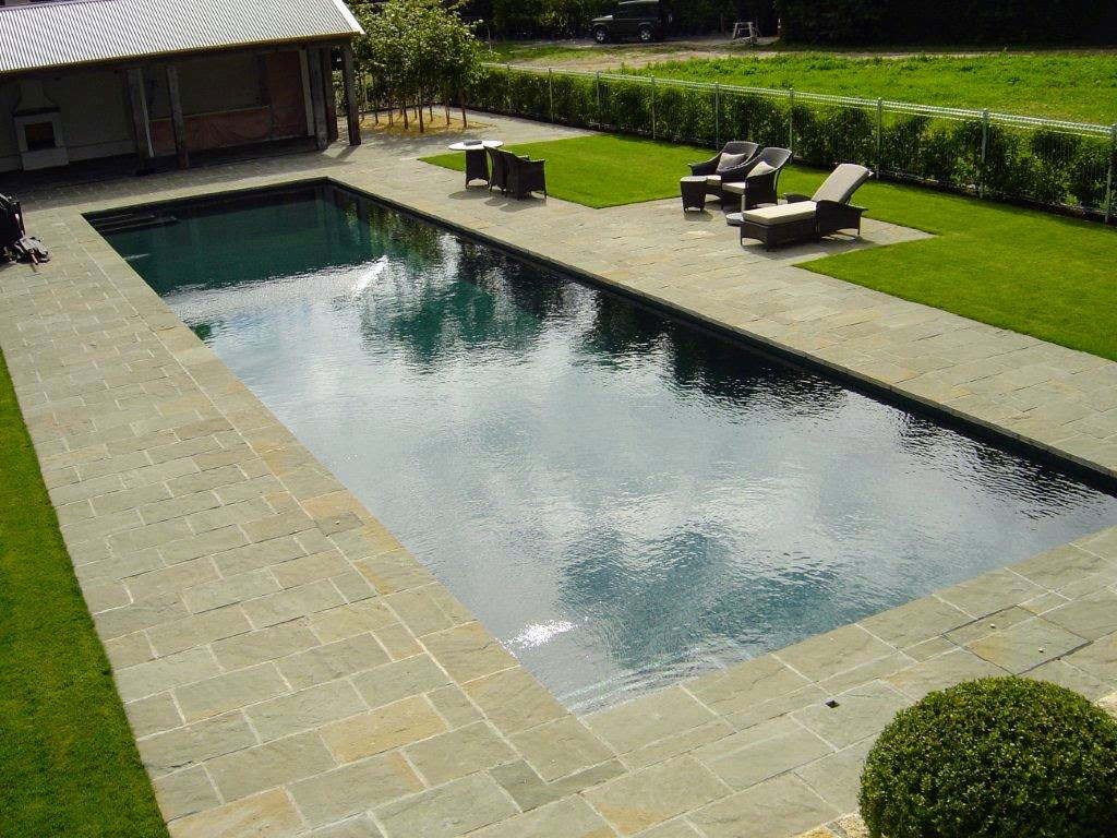 Paradise Stone as feature pool paving
